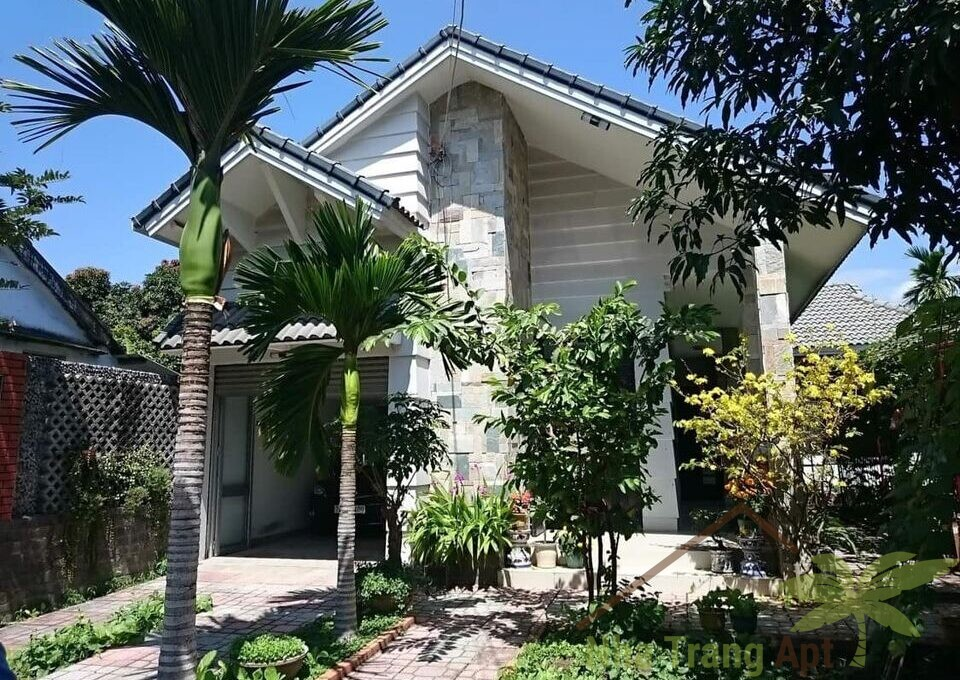 house for rent nha trang h122-1