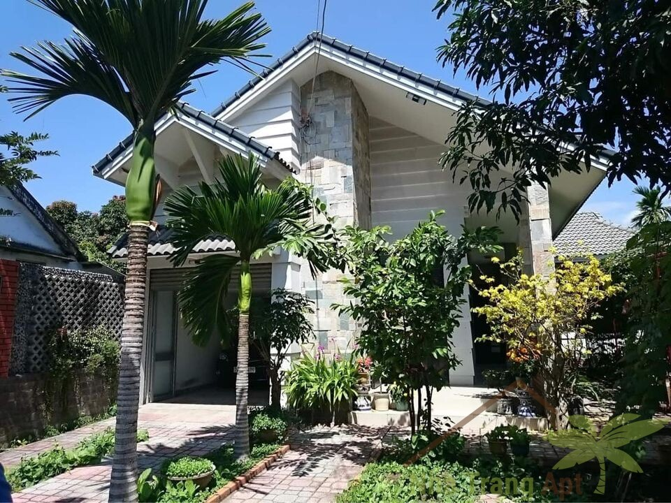 3 br house for rent in Nha Trang near Metro H122